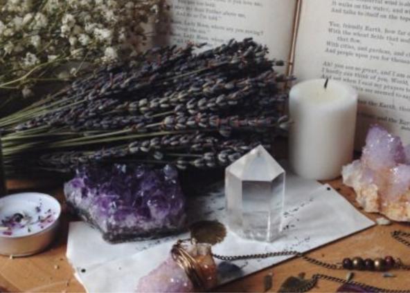 Formation «Apprendre à allier les fleurs de bach et la lithothérapie : Il était une fois un soir, une fleur, une pierre»